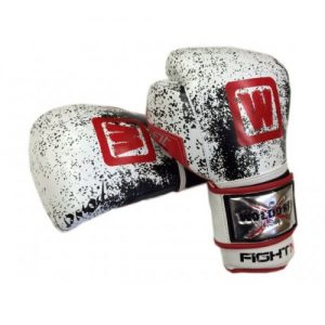 FightMMA-Glove-WLOGO1-500x500